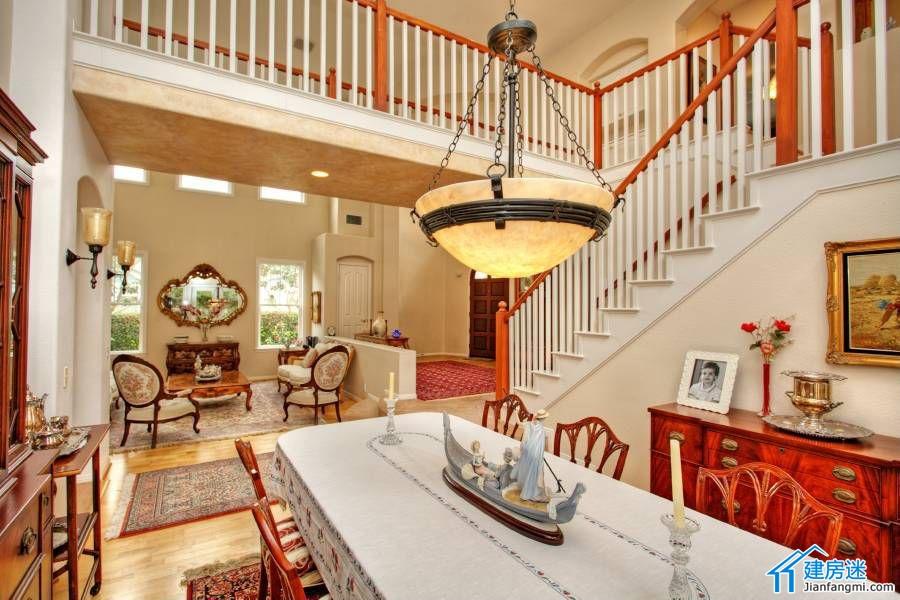 自建房挑高客厅装修效果图,楼中楼设计装修推荐