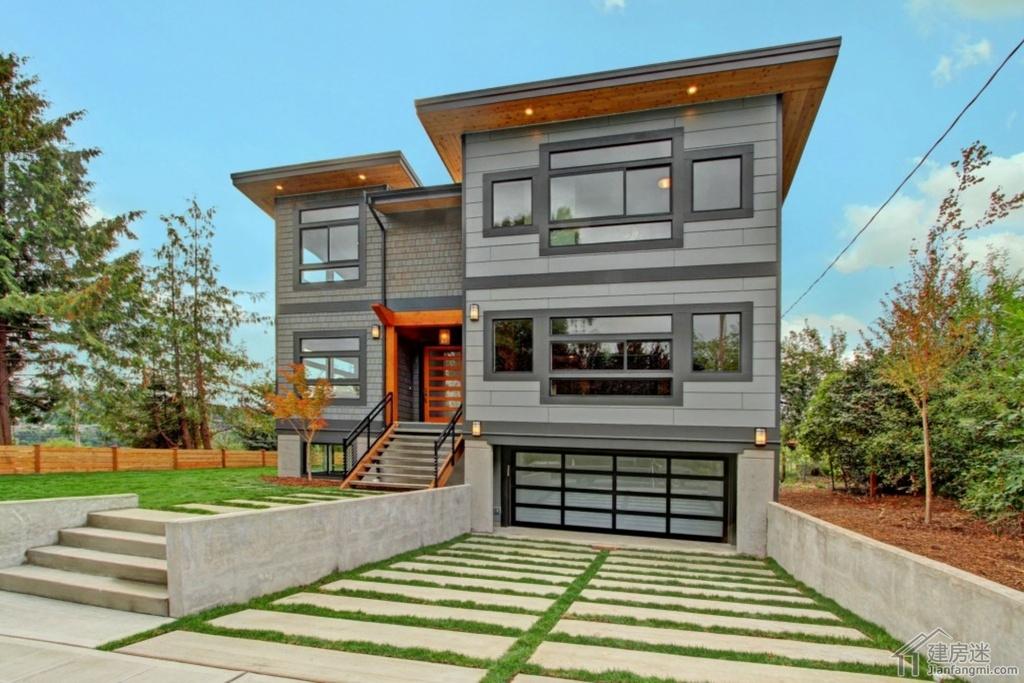 这套是纯欣赏的美式风格的别墅,喜欢的是这种超大窗户的极简风格装修,应该说在城市的大户型装修是可以参考的。 大家自建房如果是喜欢这种风格的,在户型上面也是可以很好参考与学习。 这套房子位于西雅图,建于2014年,还未曾出售,目前市场是137万美金,拥有五个卧室,4个卫生间。